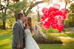menyasszony-heliumos-lufikkal
